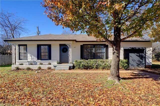 307 Norwood Drive, Hurst, TX 76053 (MLS #14519794) :: The Chad Smith Team