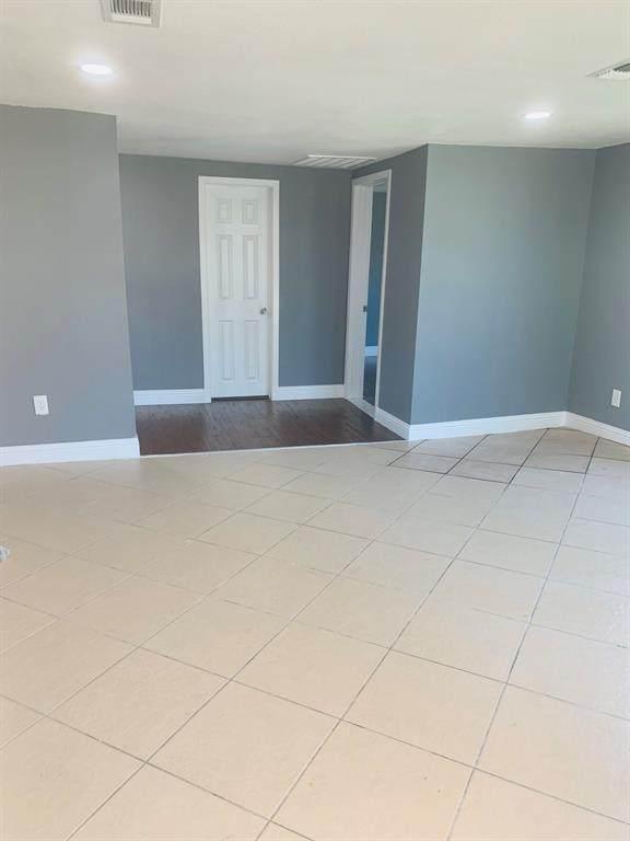 2522 W 8th Avenue, Corsicana, TX 75110 (MLS #14520669) :: The Kimberly Davis Group