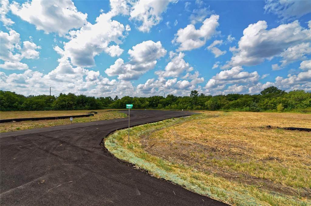 21 Split Rail Circle Drive - Photo 1
