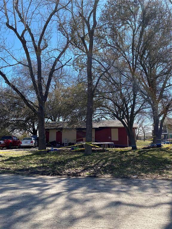 306 5th Street, Kerens, TX 75144 (MLS #14521853) :: The Mauelshagen Group