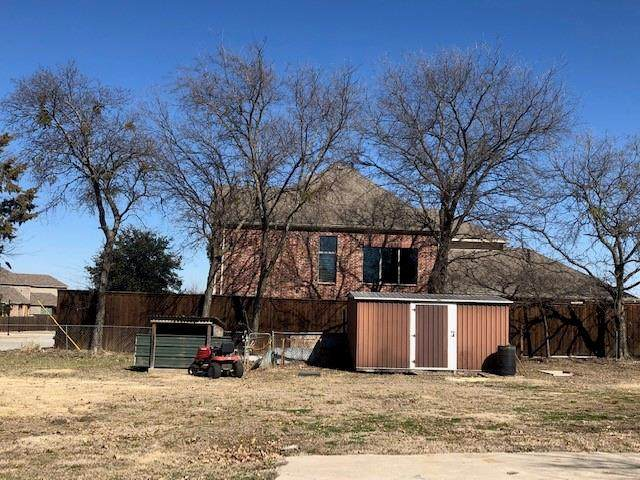 137 Cedar Street, Roanoke, TX 76201 (MLS #14521871) :: Team Tiller
