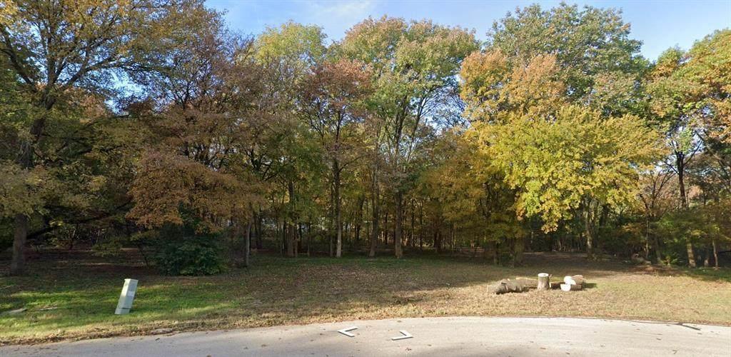 371 Forest Oaks Drive - Photo 1