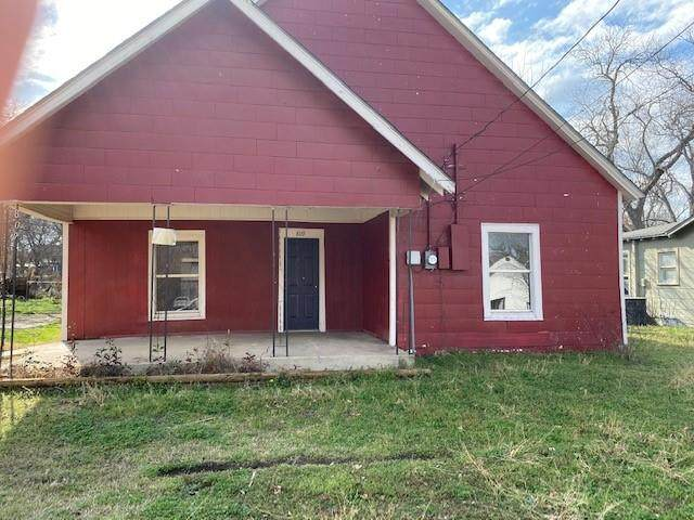 809 N Robinson Street, Cleburne, TX 76031 (MLS #14524537) :: EXIT Realty Elite