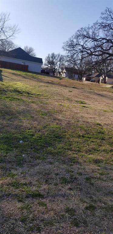 816 E 6th Street, Bonham, TX 75418 (MLS #14525817) :: Results Property Group