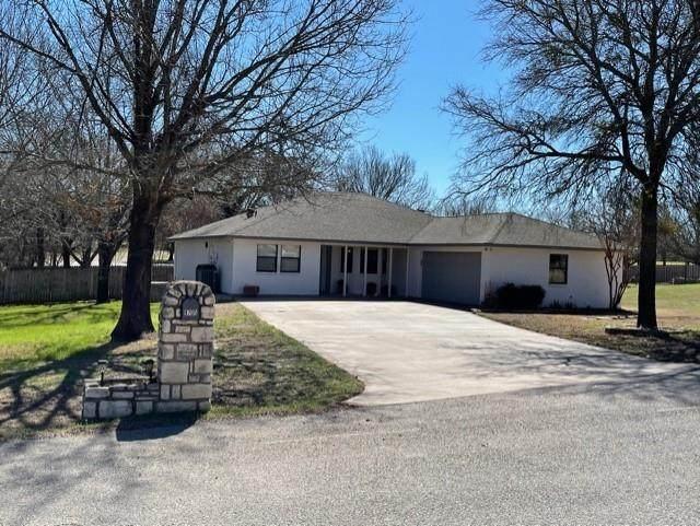 9705 Rosalie Court, Granbury, TX 76049 (MLS #14526107) :: The Property Guys