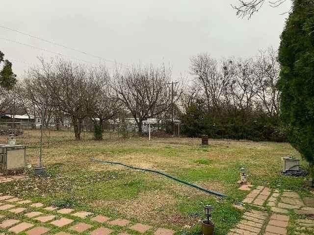 1911 Whispering Street, Burleson, TX 76028 (MLS #14529219) :: Craig Properties Group