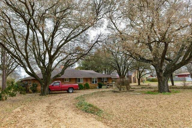 2107 E State Hwy 34, Ennis, TX 75119 (MLS #14531138) :: The Chad Smith Team