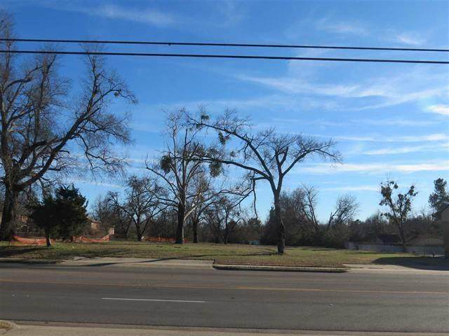 2500 Lamar Avenue, Paris, TX 75460 (MLS #14538547) :: Feller Realty