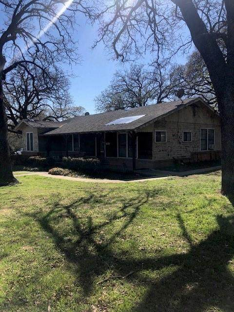 1501 N Main Street, Weatherford, TX 76086 (MLS #14539375) :: The Mauelshagen Group