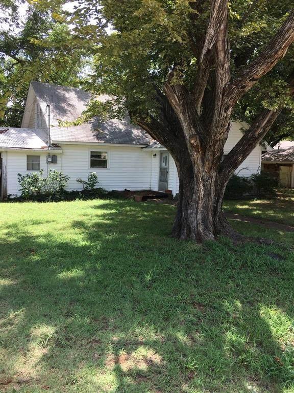 204 Pecan Street, Collinsville, TX 76233 (MLS #14542653) :: Team Tiller