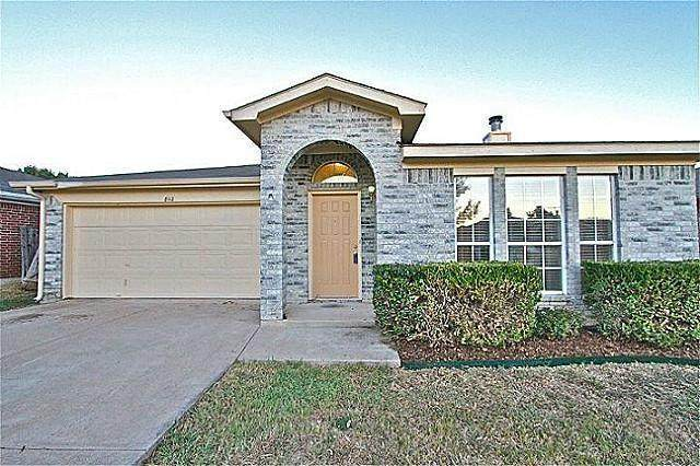 8112 Spruce Valley Drive, Fort Worth, TX 76137 (MLS #14544476) :: The Property Guys