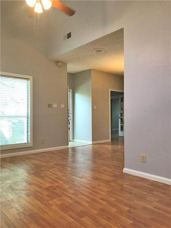7340 Skillman Street #502, Dallas, TX 75231 (MLS #14546731) :: The Star Team | JP & Associates Realtors