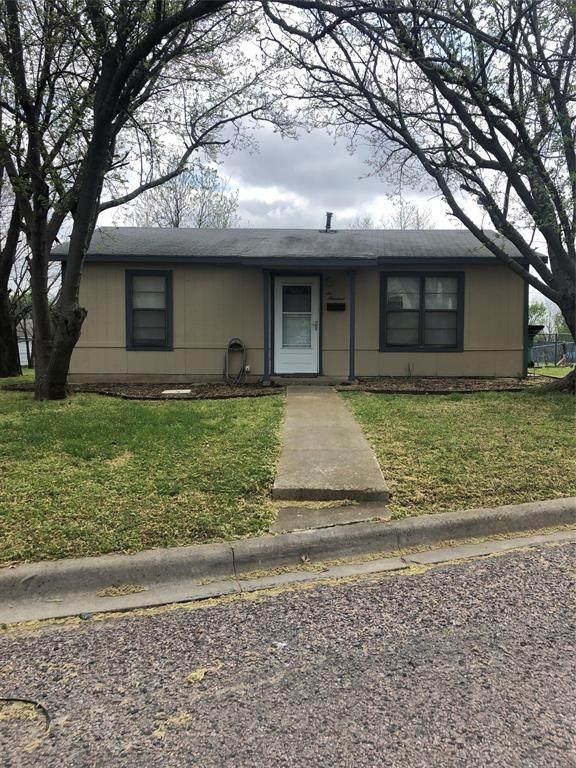 600 E South Street, Whitesboro, TX 76273 (MLS #14548574) :: The Chad Smith Team