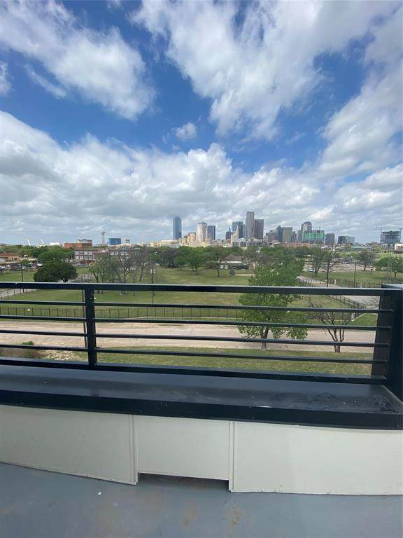 1813 Park Avenue #105, Dallas, TX 75215 (MLS #14549473) :: Lyn L. Thomas Real Estate | Keller Williams Allen
