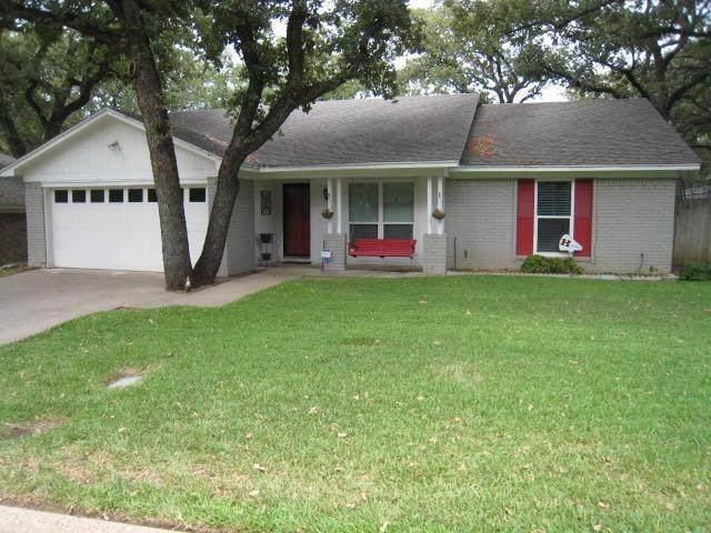 2725 Sibley Drive, Arlington, TX 76015 (MLS #14549536) :: Potts Realty Group