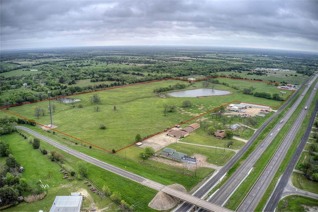 215 Interstate Highway 30 - Photo 1