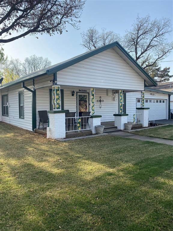 206 S Arkansas Street, Seymour, TX 76380 (MLS #14553810) :: The Chad Smith Team