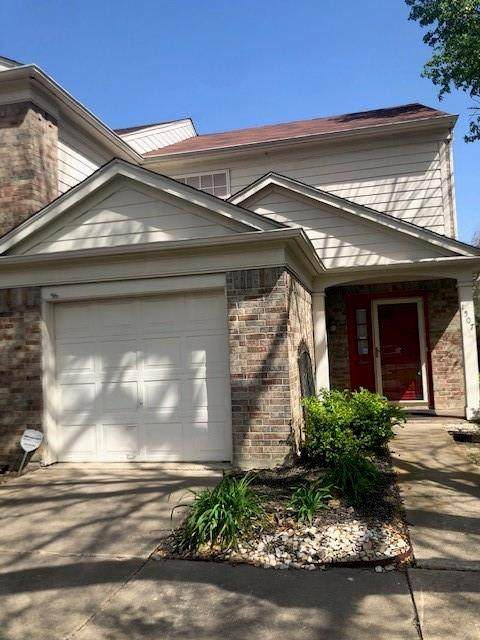 1507 Maybrook Court, Arlington, TX 76014 (MLS #14556110) :: Wood Real Estate Group