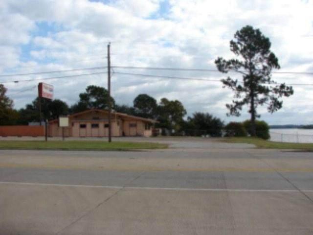 1306 S Hwy 198, Gun Barrel City, TX 75156 (MLS #14557170) :: The Kimberly Davis Group