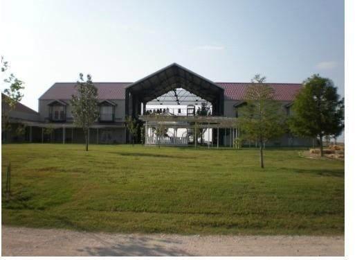 3451 Ganzer Road, Krum, TX 76207 (MLS #14557703) :: Lisa Birdsong Group | Compass