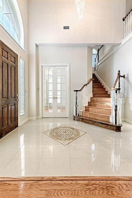 8021 Hazeltine Drive, Plano, TX 75025 (#14557993) :: Homes By Lainie Real Estate Group