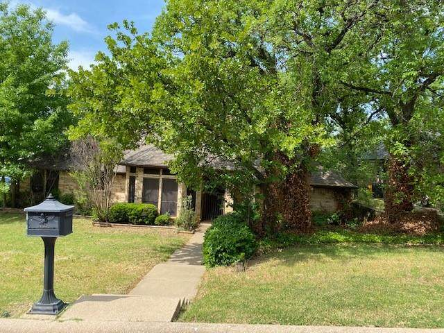 2942 River Crest Street, Grapevine, TX 76051 (MLS #14559312) :: The Rhodes Team