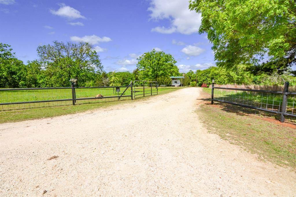 6600 County Road 305B - Photo 1