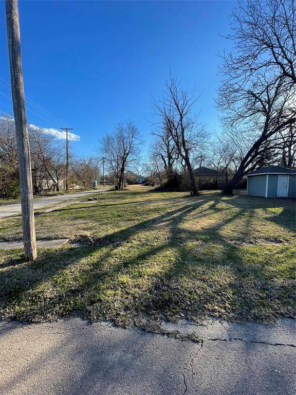 3310 Houston Street, Greenville, TX 75401 (MLS #14561060) :: The Kimberly Davis Group