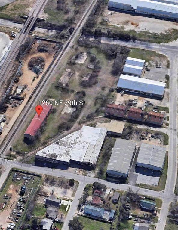1260 NE 29th Street, Fort Worth, TX 76106 (MLS #14561995) :: The Kimberly Davis Group