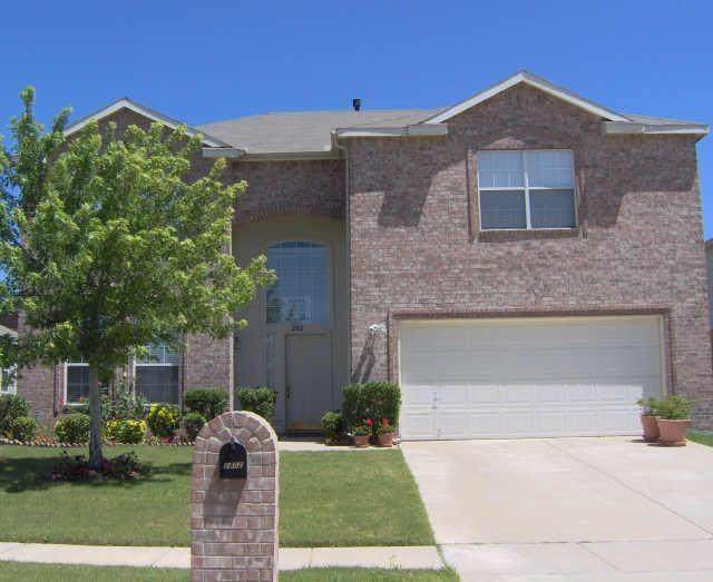 2802 Geronimo Drive, Corinth, TX 76210 (#14562319) :: Homes By Lainie Real Estate Group