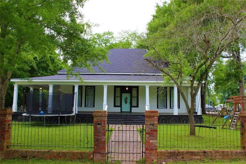 1148 Keatchie Road - Photo 1