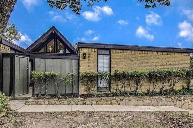 4601 Country Creek Drive #1004, Dallas, TX 75236 (MLS #14568042) :: Frankie Arthur Real Estate