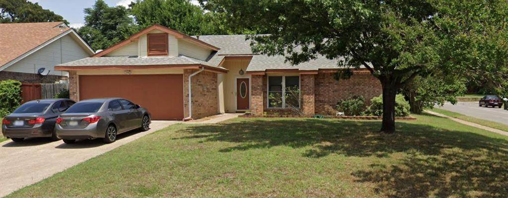 2400 Holly Court - Photo 1