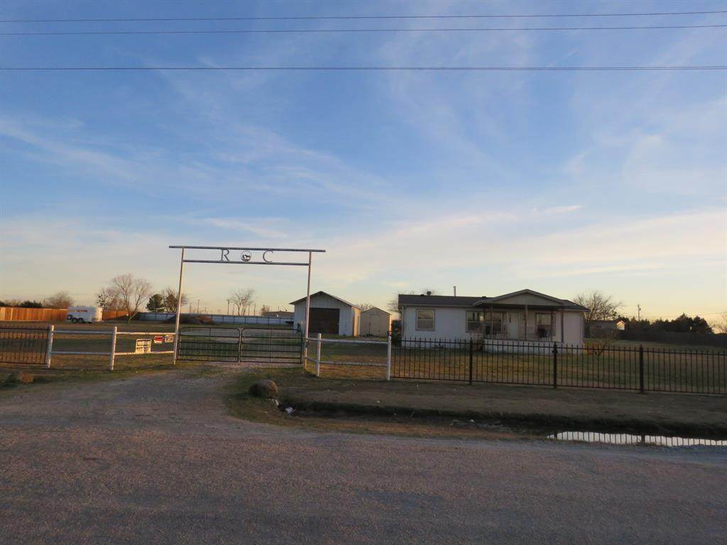 3691 County Road 2618 - Photo 1