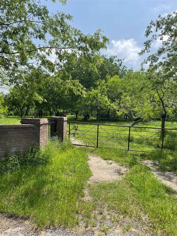 000 Hwy 34, Oak Ridge, TX 75142 (MLS #14569659) :: Craig Properties Group