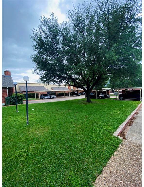 961 Cedarland Boulevard, Arlington, TX 76011 (MLS #14569894) :: The Juli Black Team
