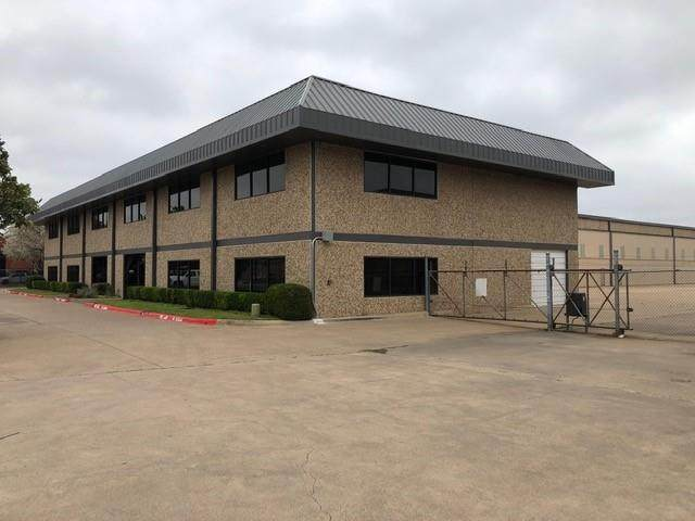 15790 Dooley Road, Addison, TX 75001 (MLS #14570665) :: KW Commercial Dallas