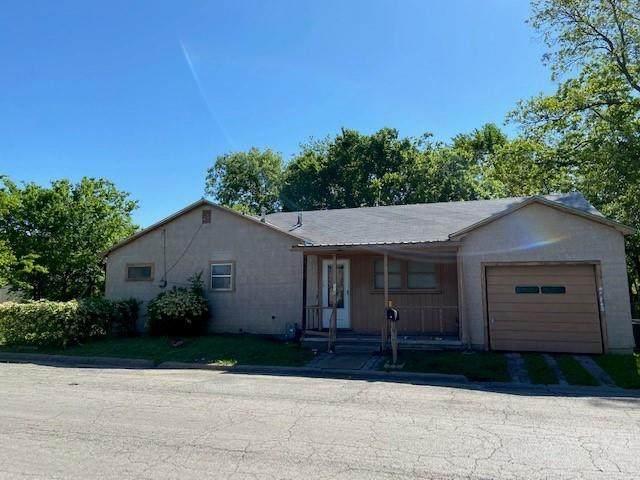 110 S Howeth Street, Gainesville, TX 76240 (MLS #14570669) :: VIVO Realty
