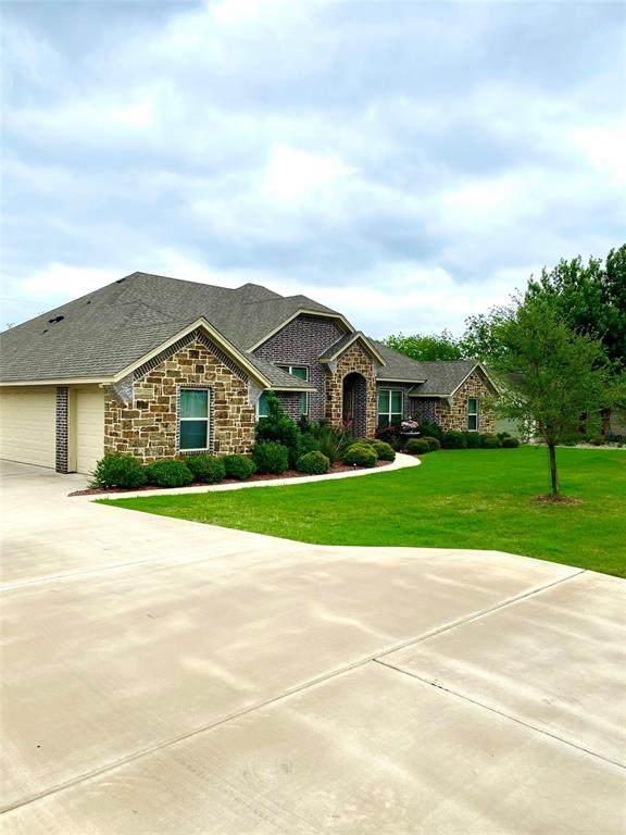 9217 Ravenswood Road, Granbury, TX 76049 (MLS #14571239) :: VIVO Realty