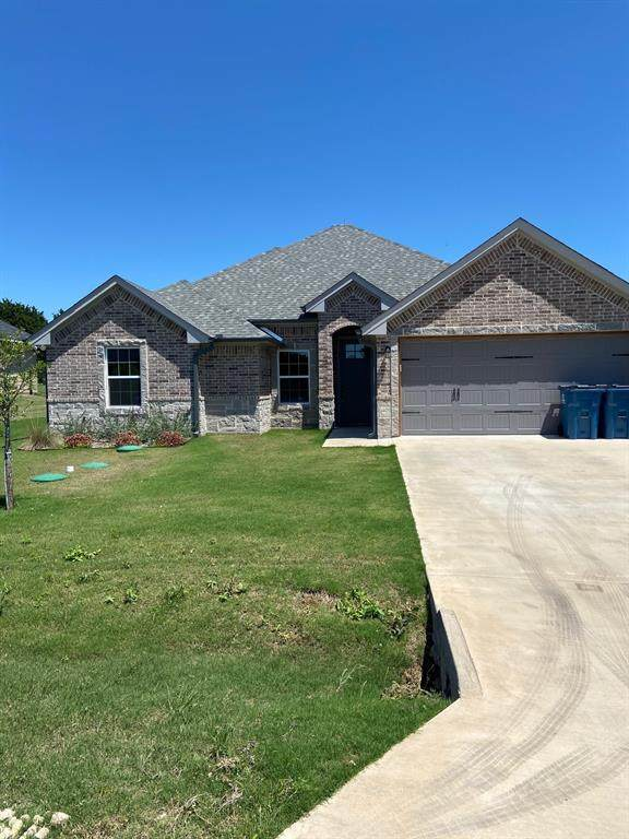 5003 Terlingua Drive, Granbury, TX 76048 (#14571441) :: Homes By Lainie Real Estate Group