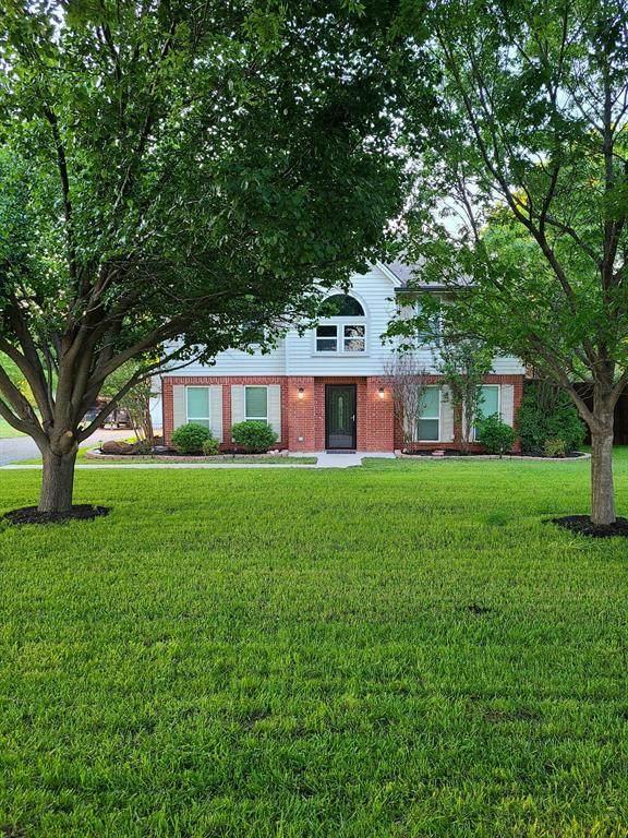 8912 S Hickory Road, Krum, TX 76249 (MLS #14572865) :: The Mauelshagen Group