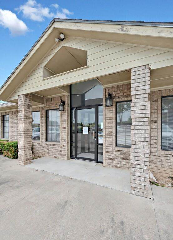 411 E Hwy 22, Whitney, TX 76634 (MLS #14573657) :: The Kimberly Davis Group