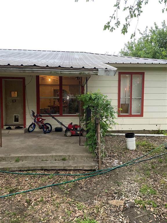 2530 N Fm 157, Venus, TX 76084 (MLS #14576827) :: The Good Home Team