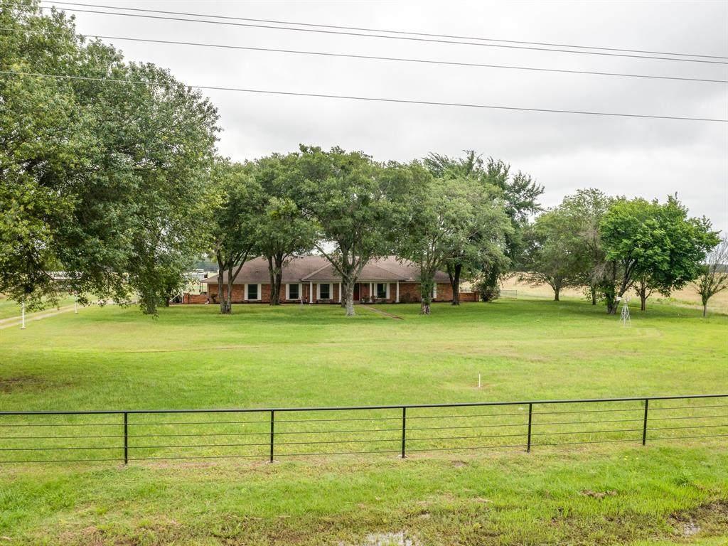 3318 County Road 2526 - Photo 1