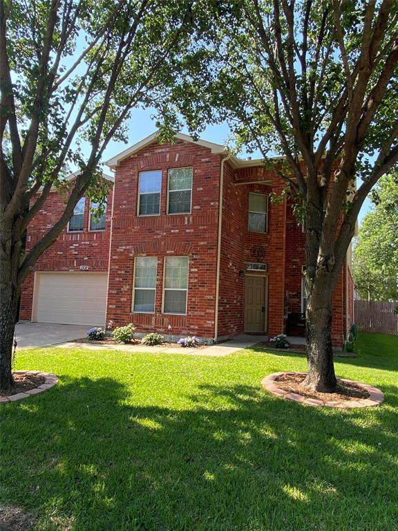 1308 Marble Cove Lane, Denton, TX 76210 (#14577912) :: Homes By Lainie Real Estate Group