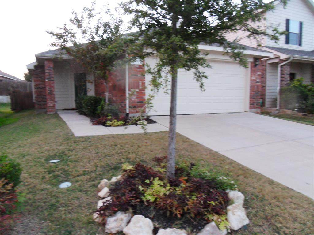 3012 Thicket Bend Court - Photo 1