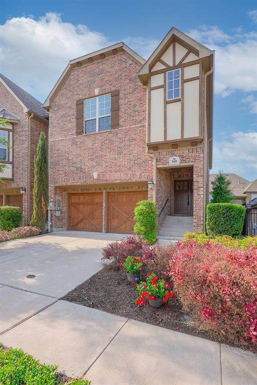 568 Hampshire Drive, Lewisville, TX 75067 (MLS #14578997) :: The Mauelshagen Group