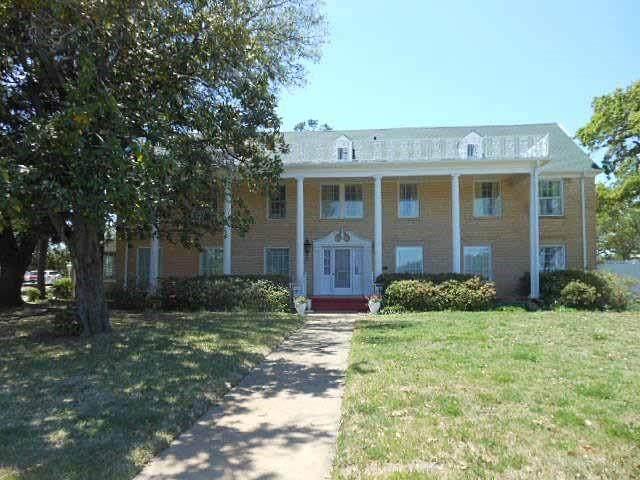 1304 Avenue L, Cisco, TX 76437 (MLS #14579608) :: Real Estate By Design