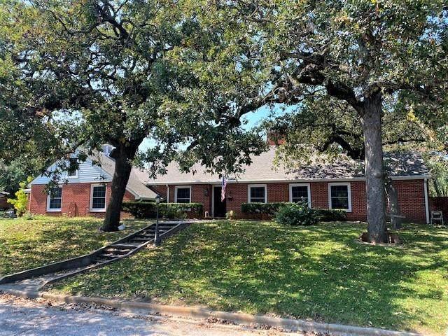 301 N 9th Avenue, Teague, TX 75860 (MLS #14579800) :: Lisa Birdsong Group | Compass