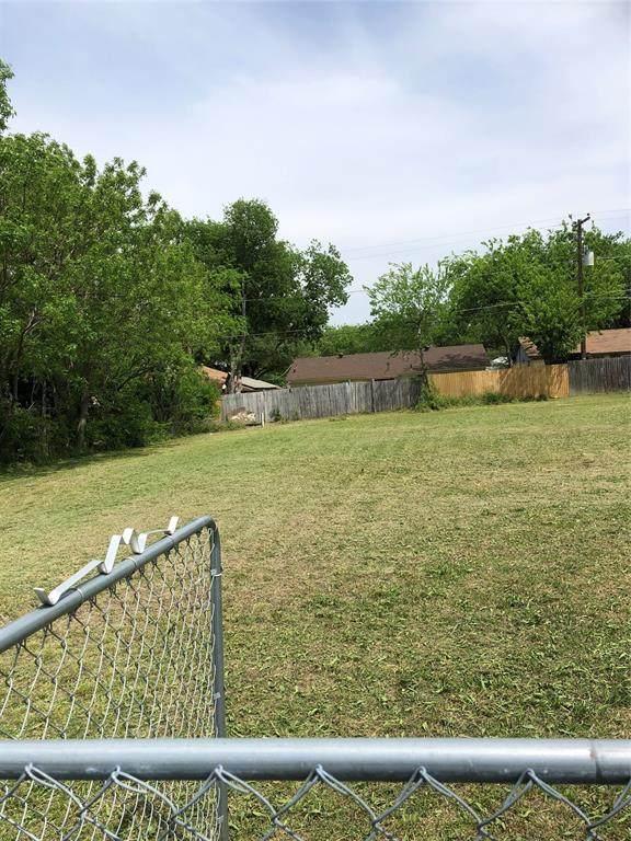 909 3rd Street, Grand Prairie, TX 75051 (MLS #14583769) :: Real Estate By Design
